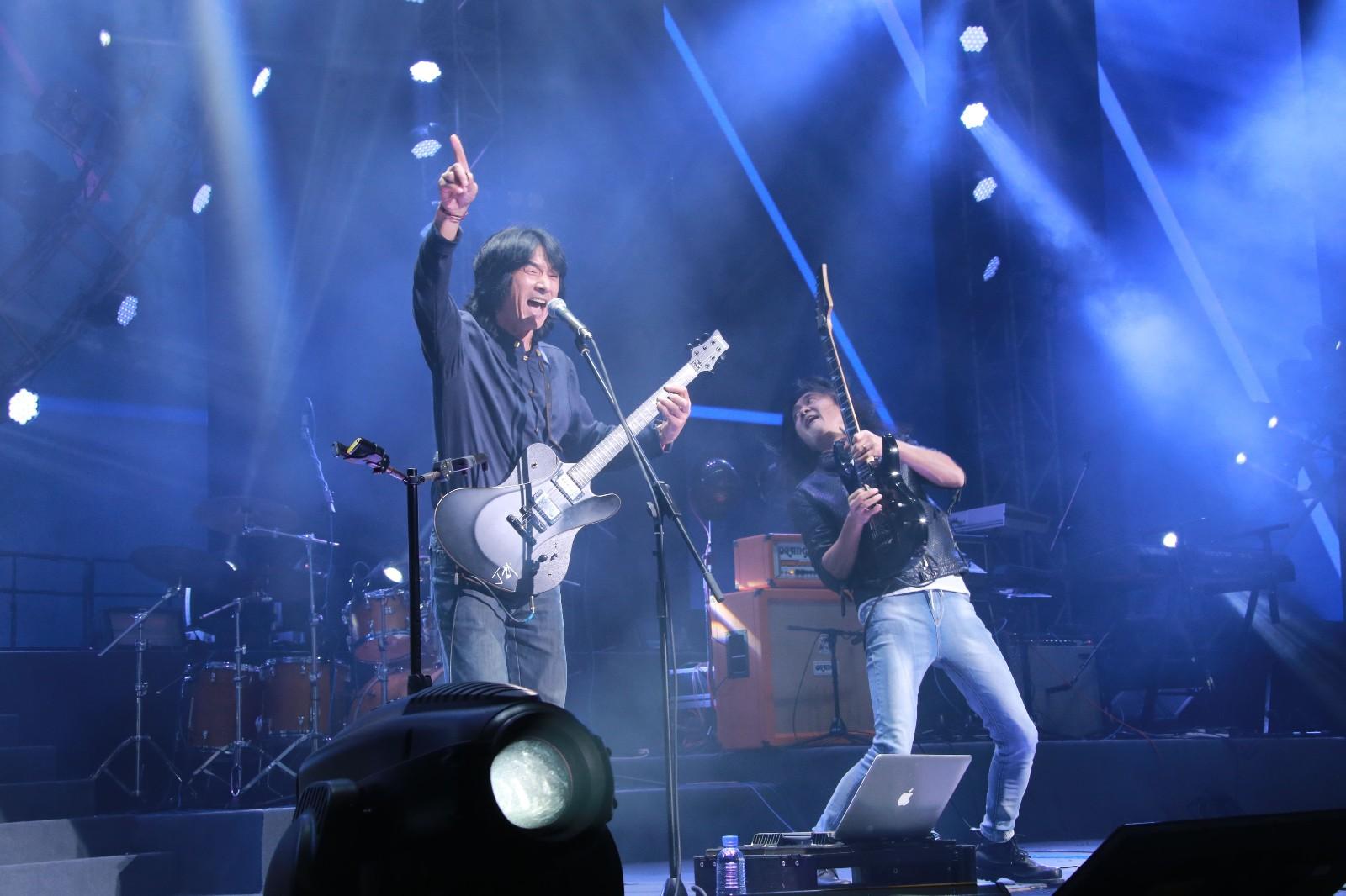中国乐队.jpg