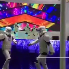 星球大战白兵舞演出视频