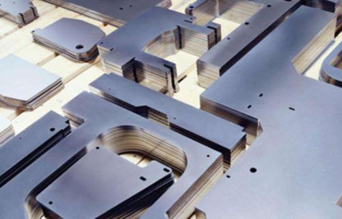 折弯机刀具选择与折弯工艺要求之间的关系