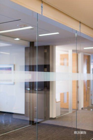 玻璃隔断案例.jpg