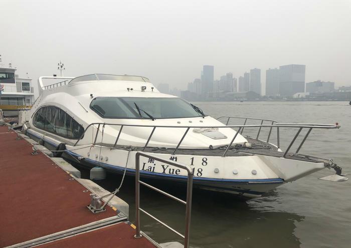 黄浦江游轮-莱悦号