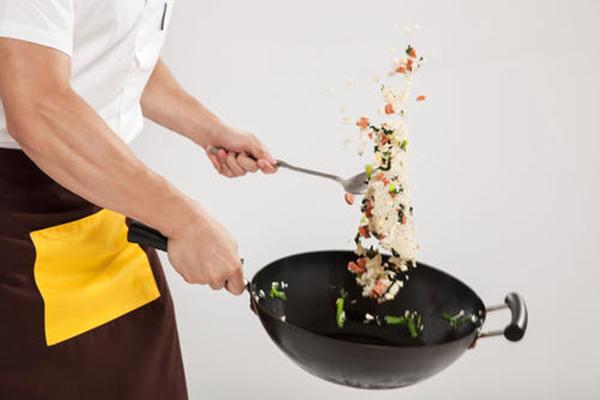 「猛男的炒饭」获近千万元A轮融资,如何把一份小炒饭做成连锁大生意?