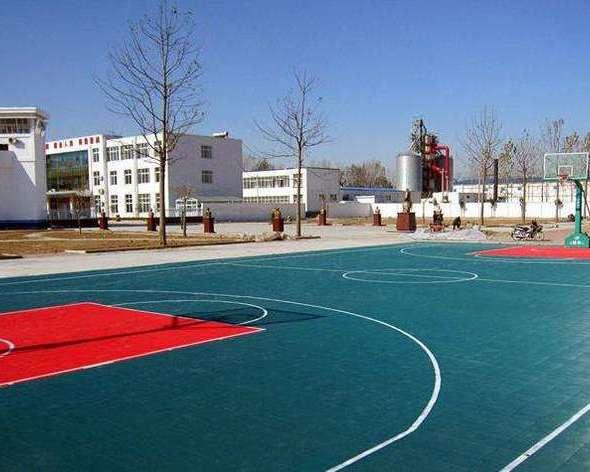 丙烯酸球场施工水泥混凝土路面垫层模板制作与安装
