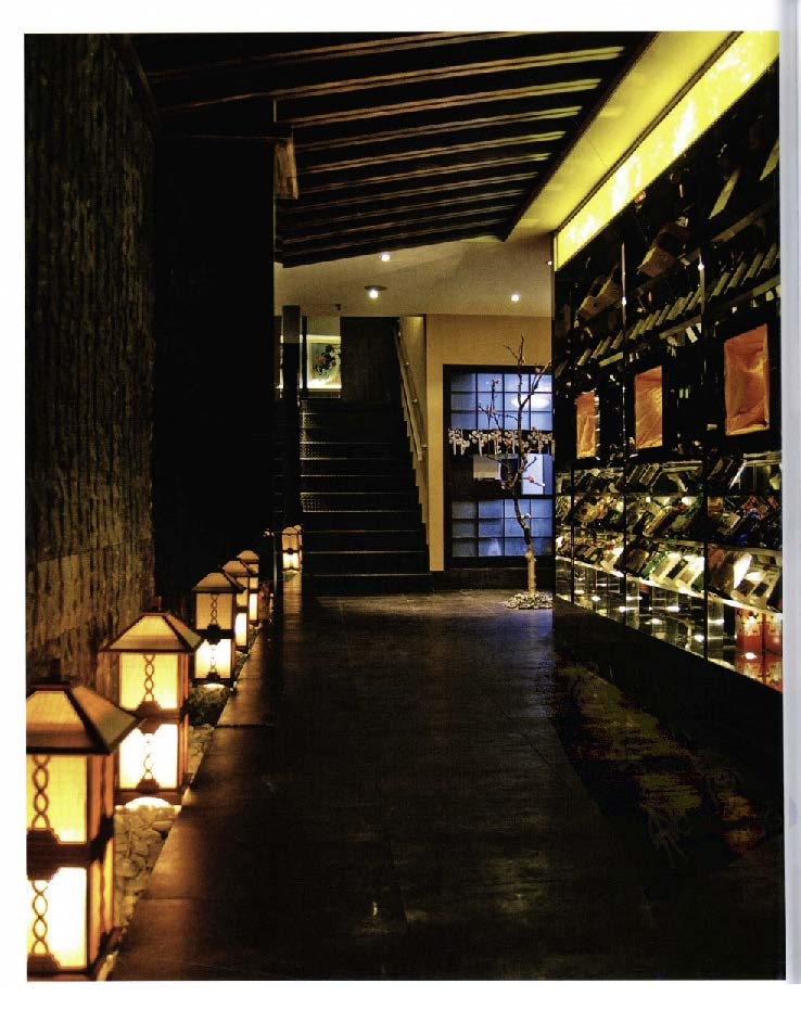 2010餐饮空间设计经典_Page_302.jpg