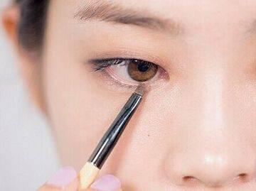 单眼皮的自然清纯妆如何来化比较漂亮