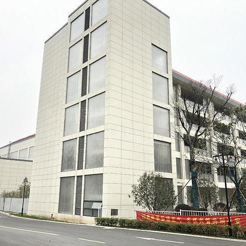 江苏南京竹山小学2800平U型玻璃项目
