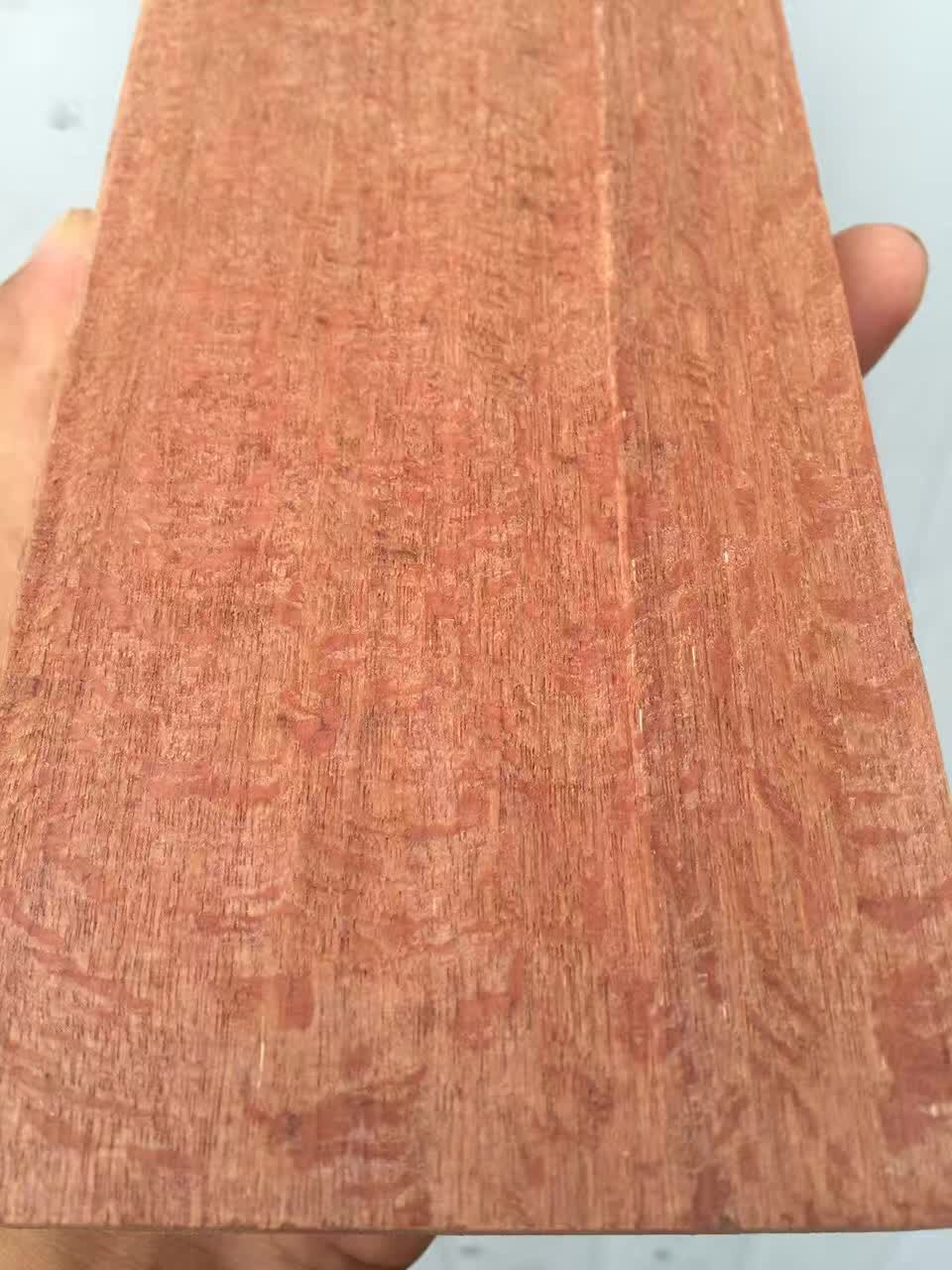 所羅門紅柳桉木1.jpg