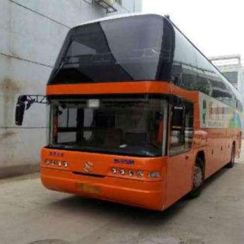 大巴车61座