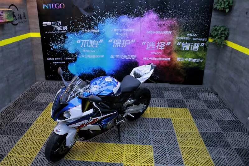 摩托车贴膜