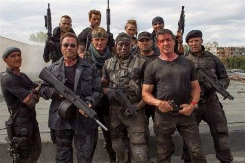 《敢死队4》将上映,英雄迟暮,但血性长存!