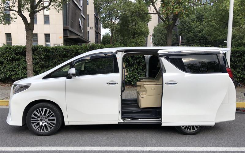 上海租车-上海租埃尔法