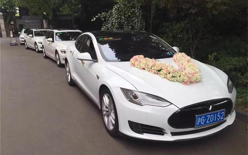 上海婚车租赁-特斯拉S婚车车队