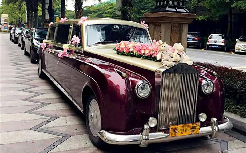 上海婚车租赁-劳斯莱斯银云婚车车队