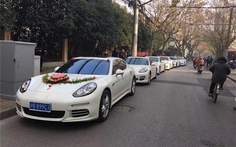 1辆帕拉梅拉+5辆奥迪A6L车队婚车