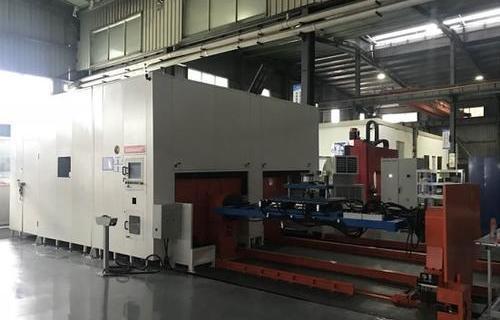 动力电池箱体双弧双工位机器人焊接工作站