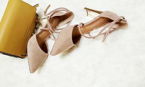 磨砂绑带中空女鞋