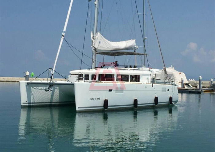 三亚游艇租赁-法国博纳多蓝高450双体帆船