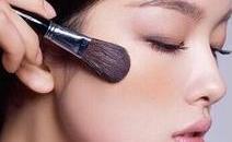 魅力妆容的化妆技巧