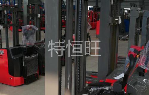 广州市宝马某机械有限公司电动堆高车