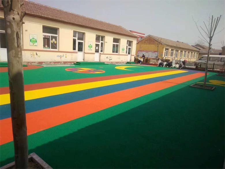 幼儿园塑胶地坪85f.jpg