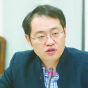 Zhanbo Du