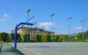 硅PU球场丙烯酸球场施工前期的水泥混凝土路面垫层拌和