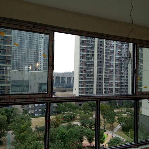 铝合金阳台窗