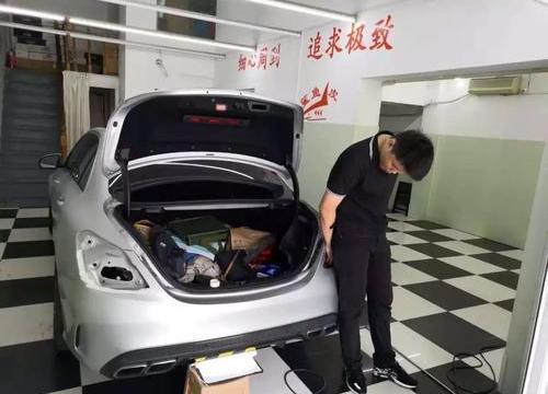 上海哪里有汽车凹陷修复门店