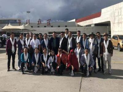 致力山南教育 湖北省第二批组团式援藏教师接棒