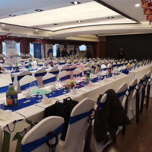 蓝森号游轮 200人宴会厅 蓝森号包房用餐 上海浦江游览