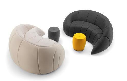 休閑區沙發及休閑桌椅