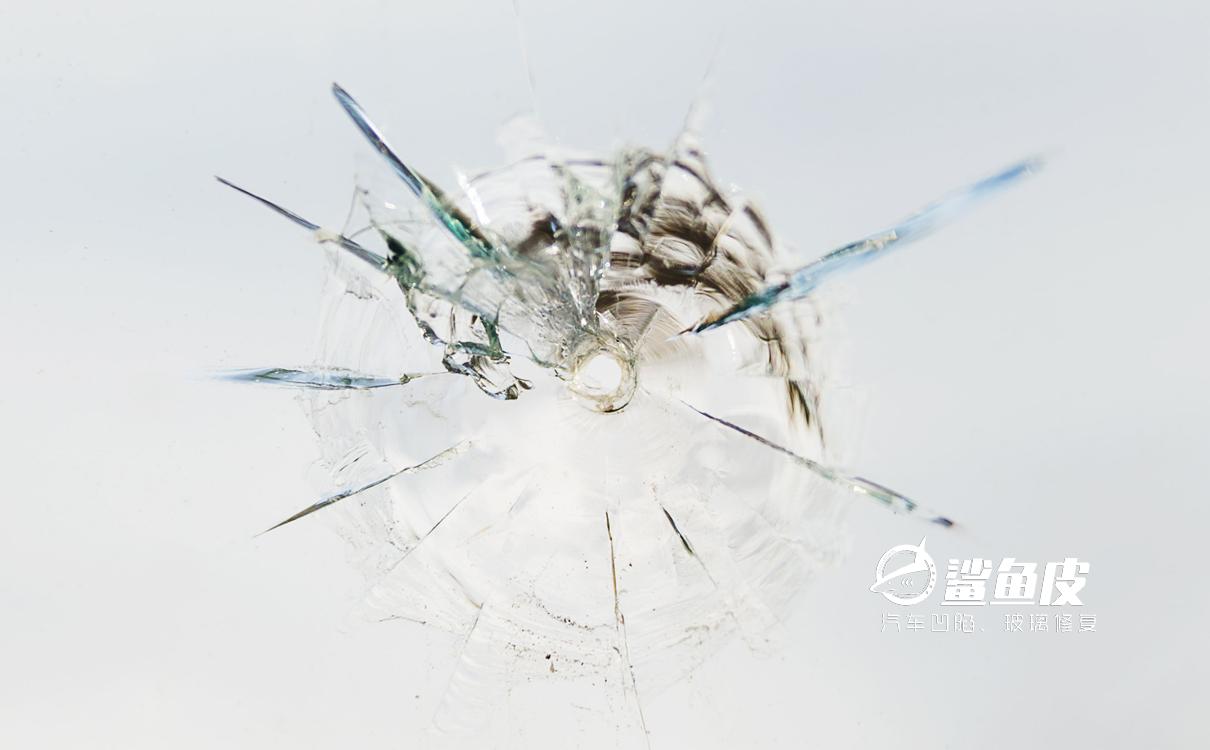 什么裂纹做汽车玻璃修复****?