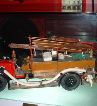 老式消防車