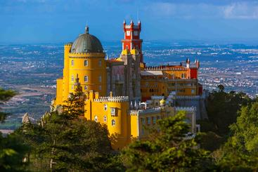 葡萄牙 里斯本 辛特拉的佩尼亚宫殿 Palace of Pena in Sintra Lisbon Portugal