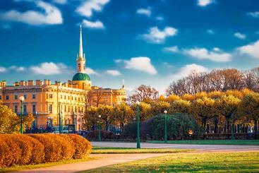 俄罗斯 圣彼得堡  Park and Michael Castle Saint Petersburg Russia