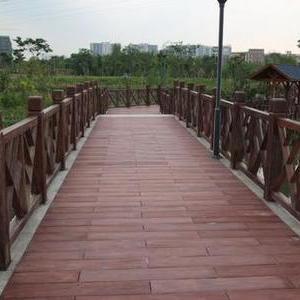 上海混凝土仿木桩河道护栏