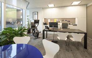 办公室装修中家具的选择