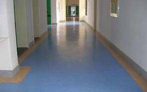 大理石或是瓷砖地面上能铺装pvc塑胶地板吗