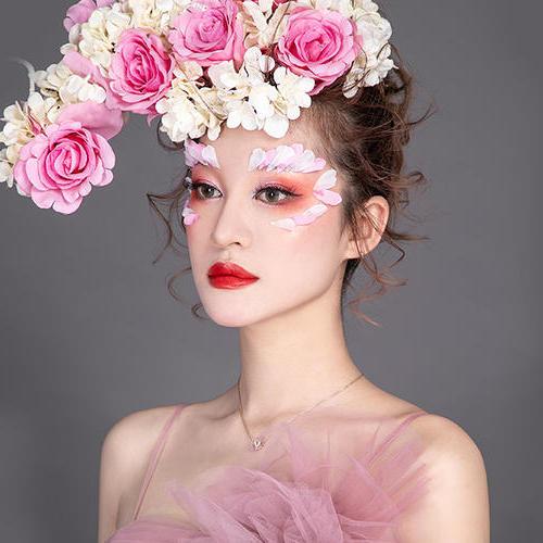 伊黛希美妆西子美丽节创意婚纱秀