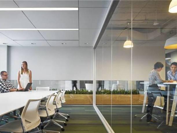 哪家公装公司办公室装修实景图还原度*高?