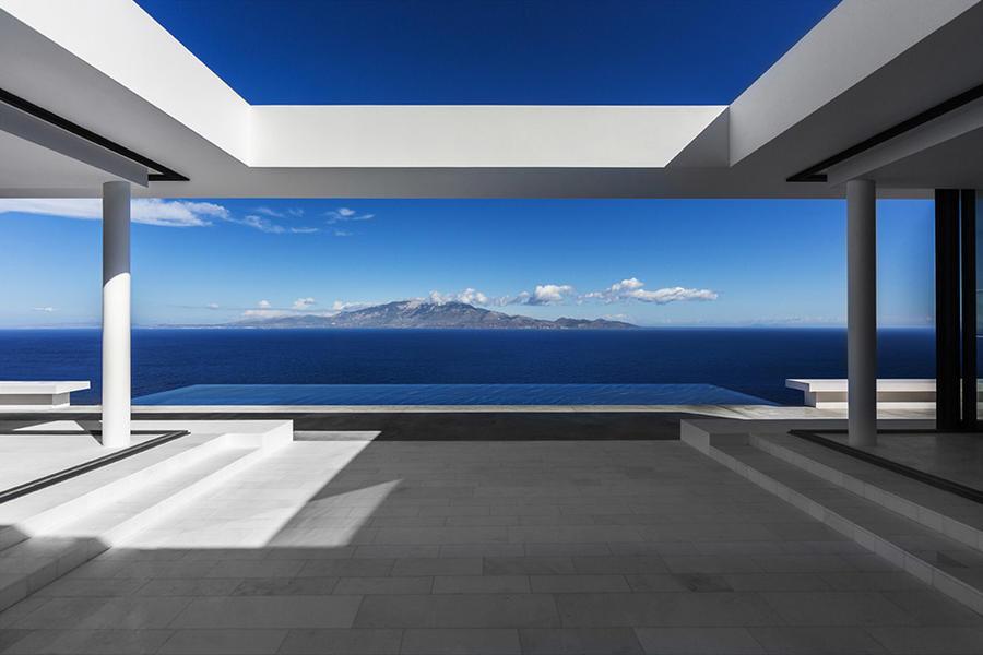 希腊爱琴海上的白色极简别墅