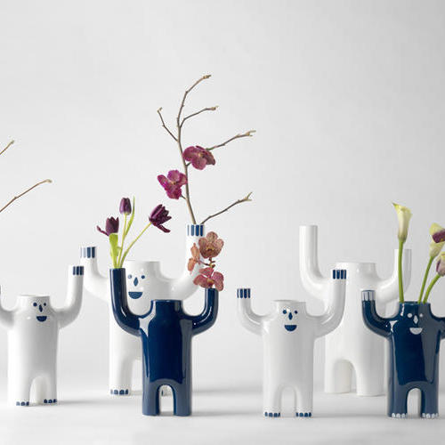 HAPPY VASES