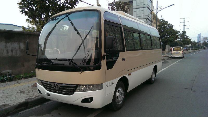 中巴车图片1.jpg