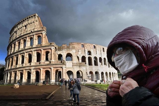 """我在意大利亲历""""封国"""":华人集体关店,从被歧视到成为""""救星"""""""