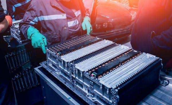 Volkswagen's current electric car battery cell contains 65% nickel, 15% cobalt and 20% manganese.