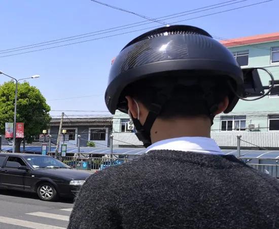 昱瑾黑科技测温头盔,分钟可测温百人