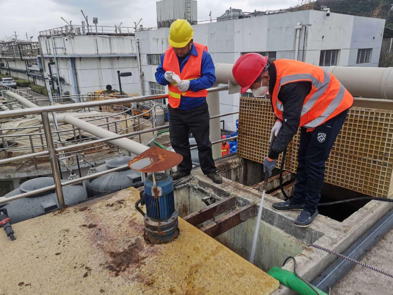 工业生化池清理.jpg