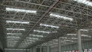 制作钢结构夹层
