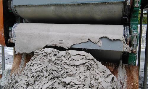 压滤机如何进行污泥处理?