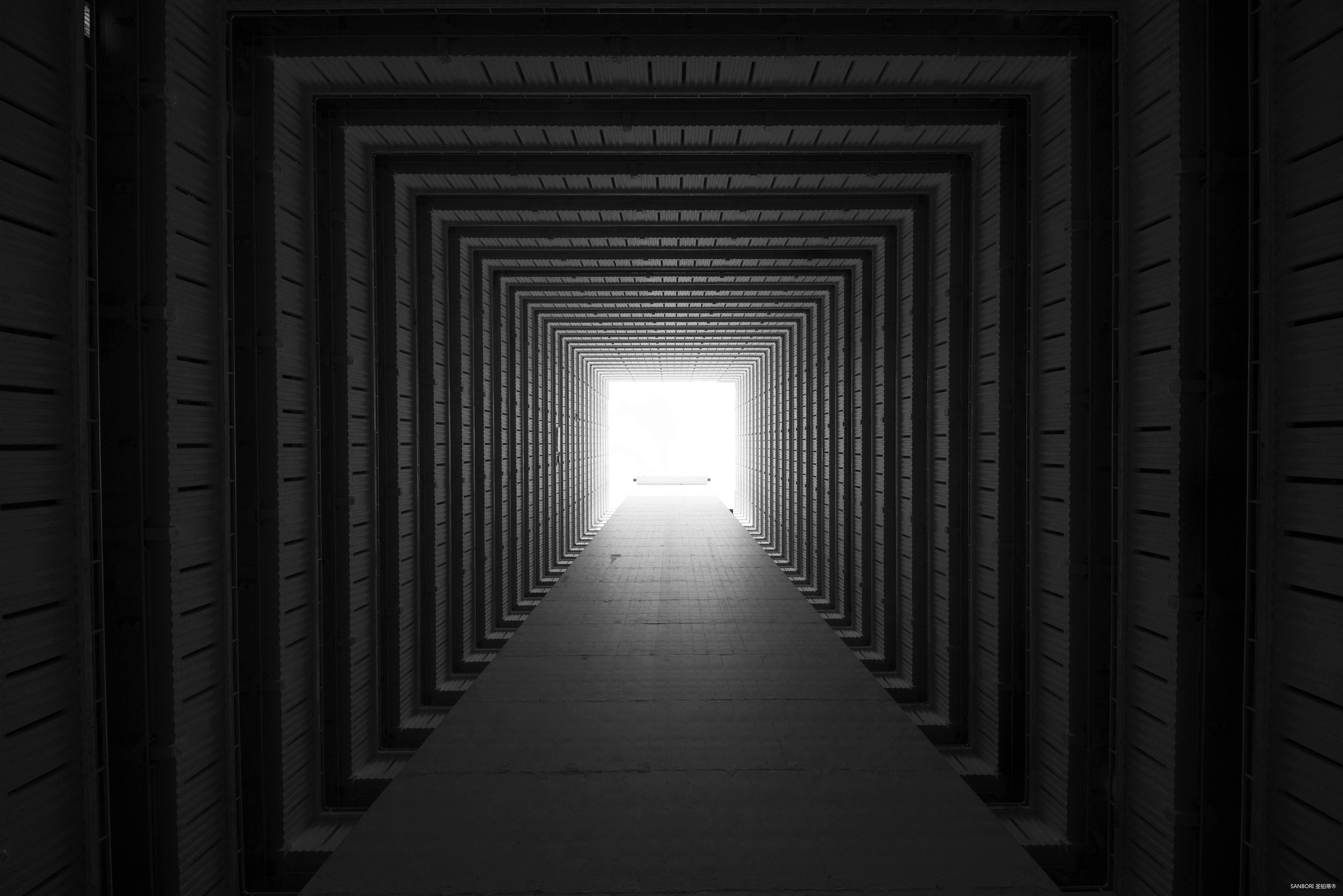 concrete-tunnel-3043424.jpg